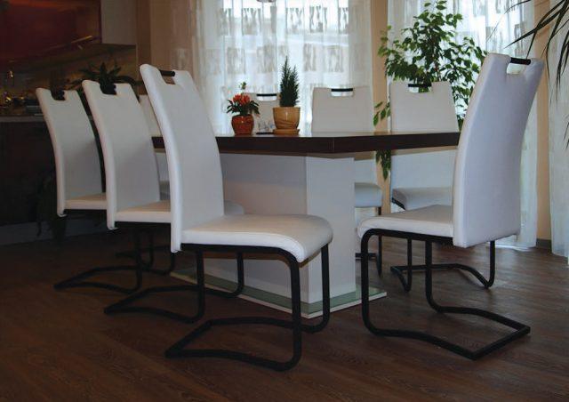 Jídelní stůl BLACKBIRD