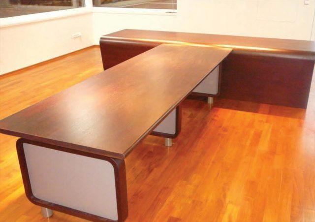 Stůl PRESIDENT