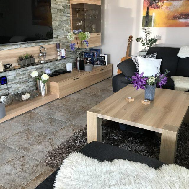 Dubový konferenční stolek na míru